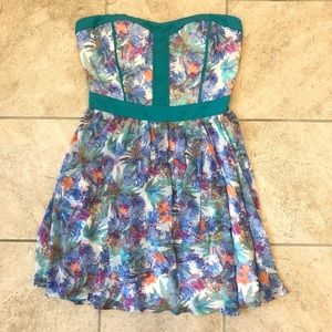Adelyn Rae Floral Print Dress Size Medium